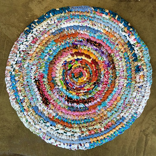 Amish Knot Round Rug With Molly Mcvey